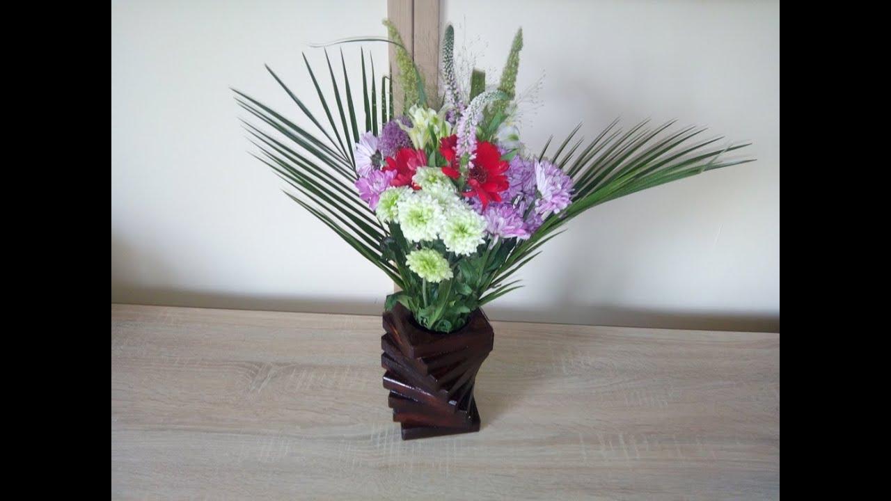 comment faire un vase avec une chute de bois et d une bouteille en plastique youtube. Black Bedroom Furniture Sets. Home Design Ideas
