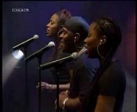 2002-01 - Alicia Keys - A Woman's Worth (Live @ TOTP)