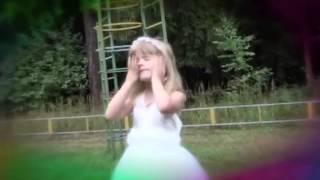 Песня про маму, папу, дочку. Поет ребенок (3 года) До слез(