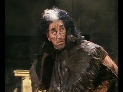 Edmund in the Dock - Blackadder - BBC
