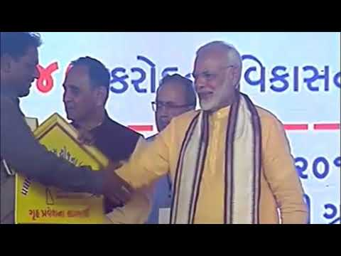 MODi Distributing Homes to Poor & Middle CLass Families in Gujarat