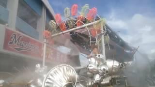今年も放水ガールズが、マリンステージ周辺を巡回していました。