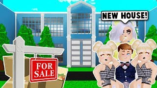 WE WENT SHOPPING FOR A NEW MANSION ON BLOXBURG! (Roblox)
