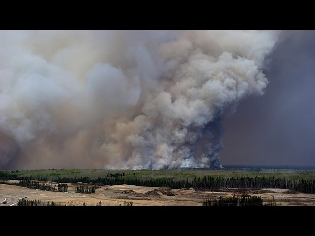 7k people airlifted overnight amid 'apocalyptic' Alberta wildfire