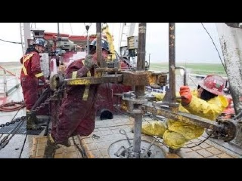 Makin Hole: How Oilwells are Drilled?