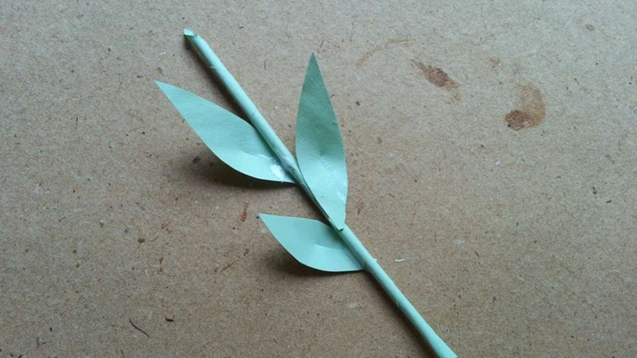 How To Make A Cute Paper Stem With Leaves Diy Crafts Tutorial Guidecentral