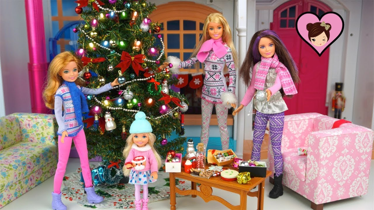 Barbie Christmas Tree Decorations.Barbie Sisters Decorate The Christmas Tree And Wrap Presents