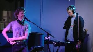 Live In Studio: Pond