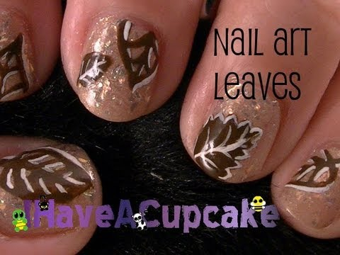 Simple Leaf Nail Art