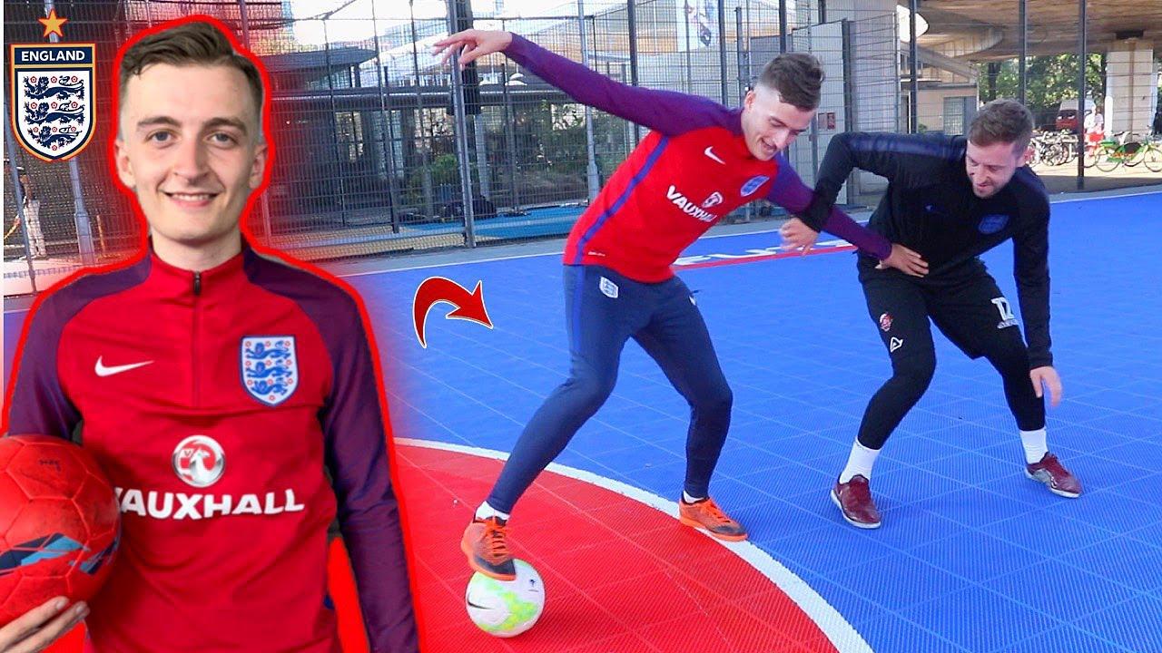 Can I NUTMEG England's BEST EVER Futsal player !? (CRAZY SKILLS)