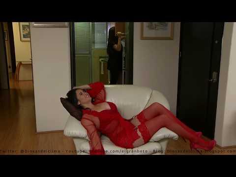 Sugey Abrego - Muy Sexy de rojo