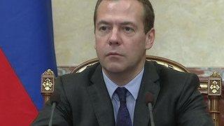 медведев: пенсионный возраст большинству россиян повышен не будет