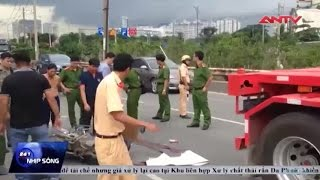 clip container can chet nguoi mau be bet tren cau