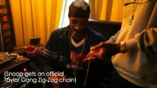 Wiz Khalifa In The Dog House - Gives Snoop A Taylor Gangs Chain & Of Course Smokes Weed