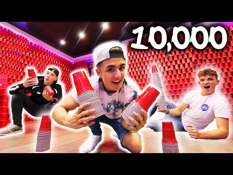 10,000 RED SOLO CUP ROOM!