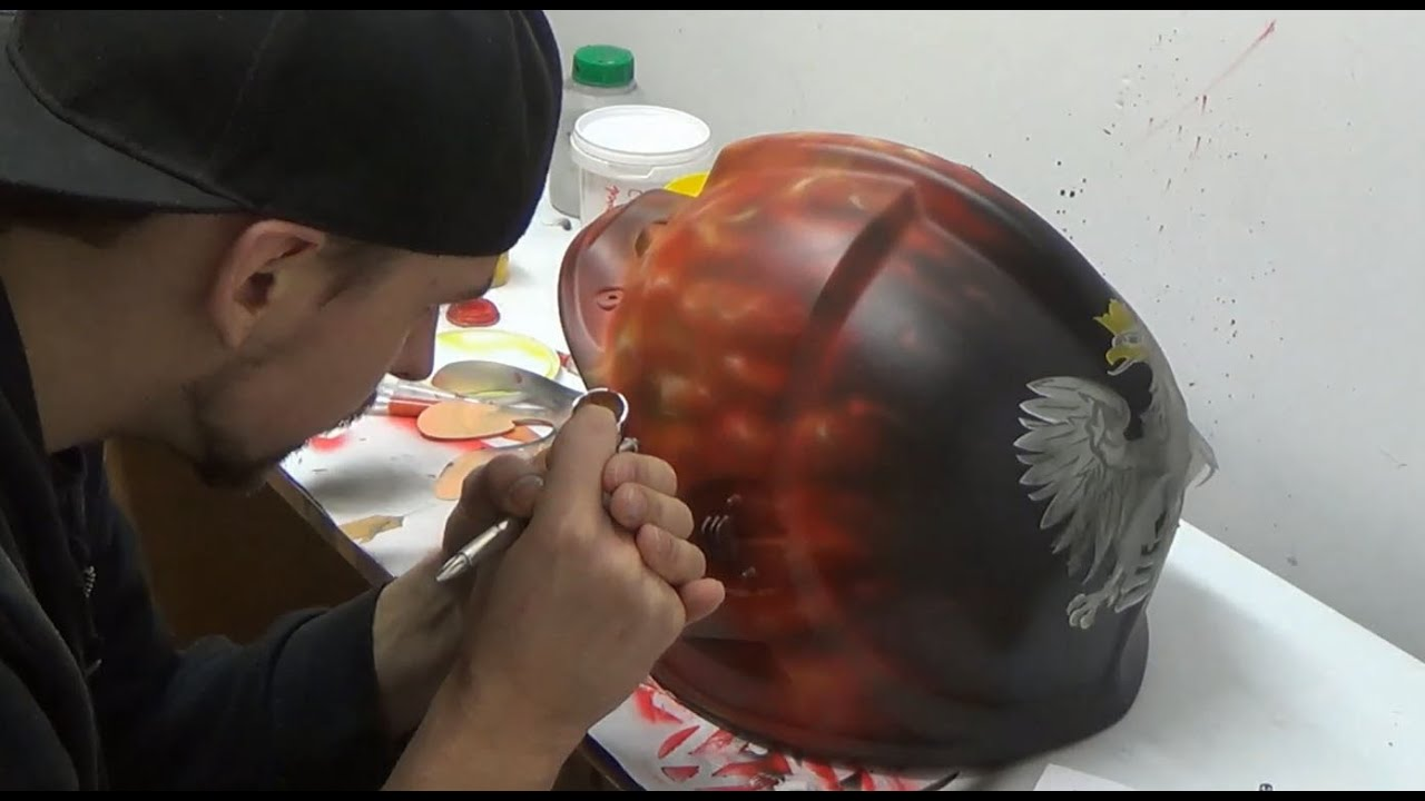 Download Polish eagle and true flames on firefighter's helmet - aerograf airbrush