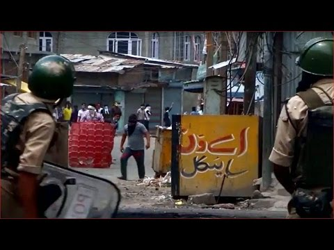 Protesters killed in clashes with Indian troops in Kashmir