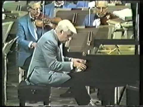 Earl Wild and Arthur Fiedler Play Tchaikovsky Piano Concerto no. 1 - Part 2/5 - mvt. 1/1