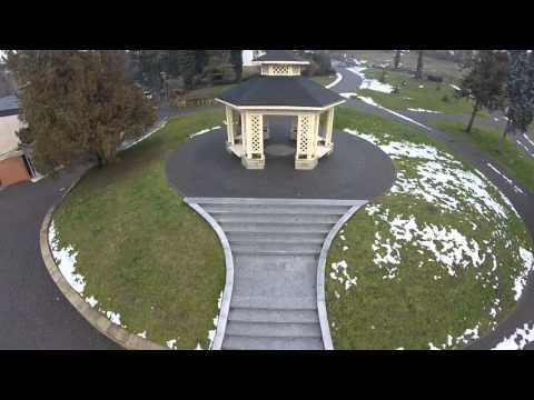 PROMO: Vrnjačka Banja - Let iznad parka i zgrade kupatila (1080p Full HD)