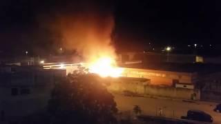 Incendio al mercato ortofrutticolo