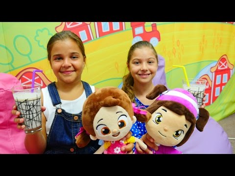 Oyun diyarı - Leli ile Niloya kek ve milkshake yapıyorlar. Mutfak oyunu.Çevrimiçi video izle