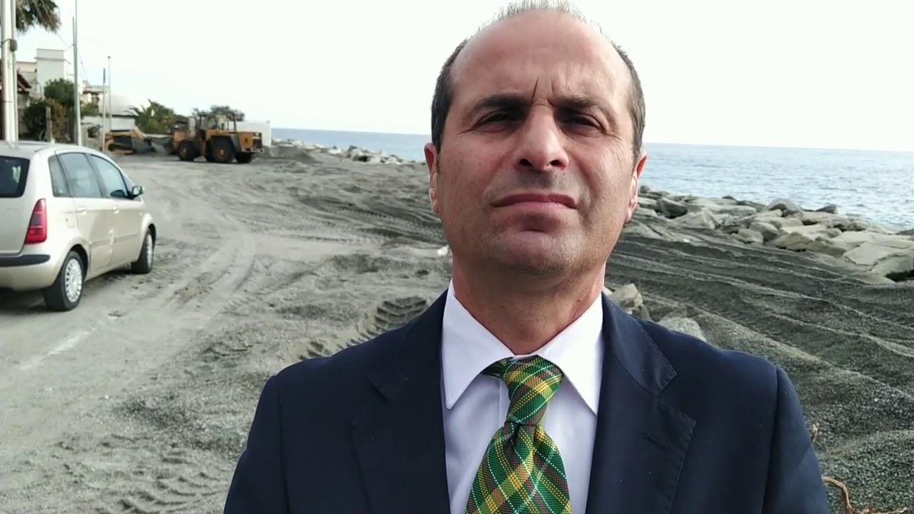 Cerca pure la fidanzata politici italiani pazzi youtube for Lista politici italiani
