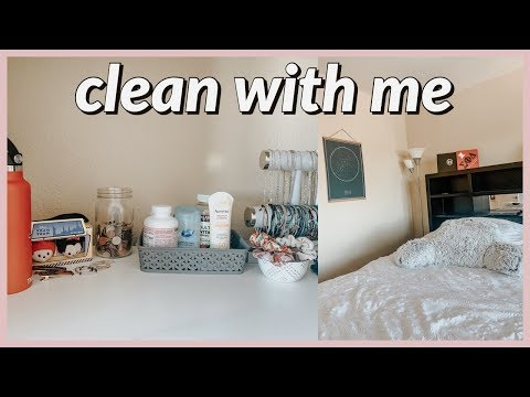 clean with me- cleaning my room, kitchen, and bathroom!