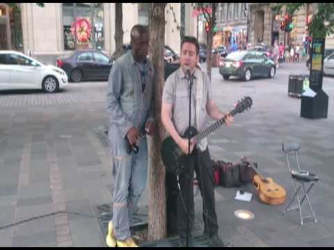 Seal and busker duet Stand By Me (Montreal.2016)