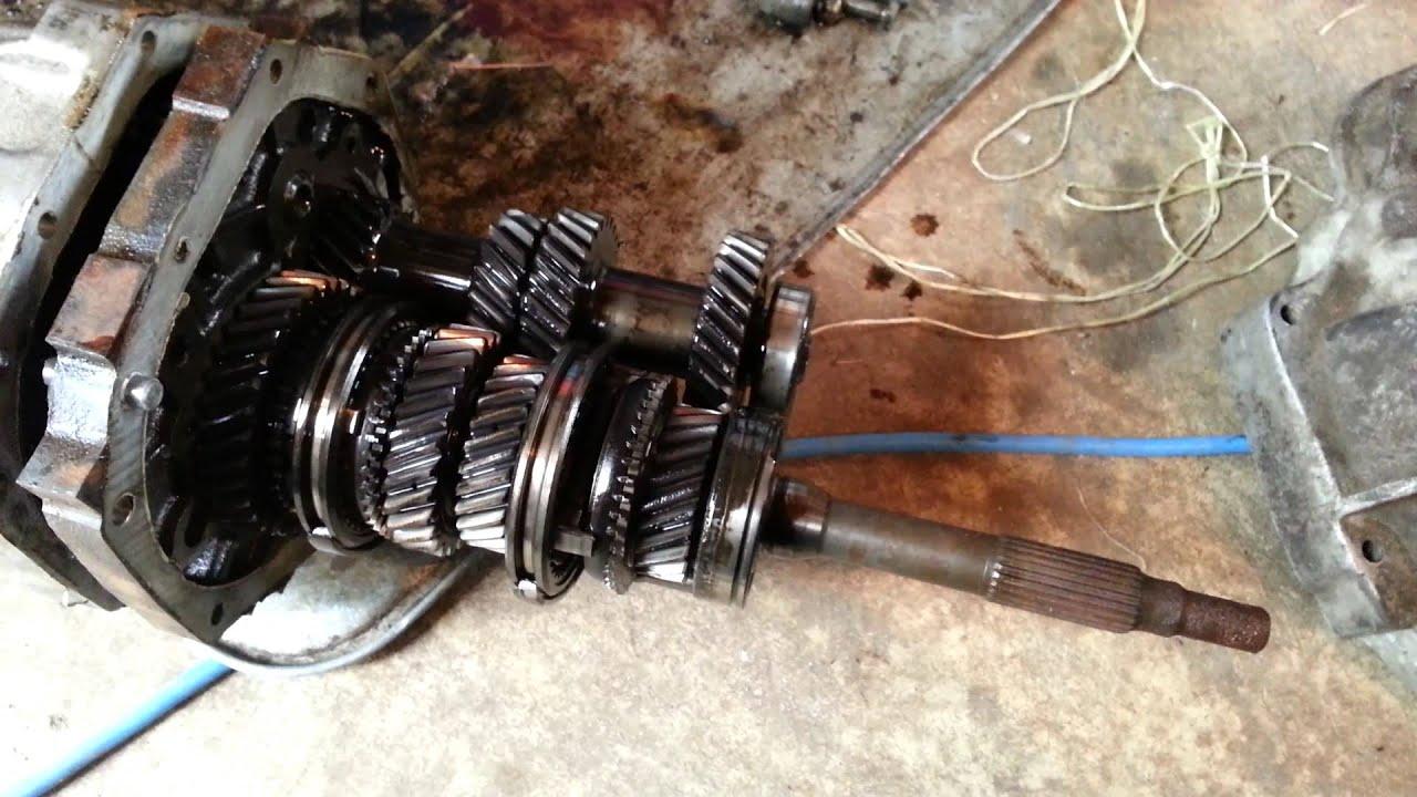 Nissan/Datsun 280z 5 speed transmission - YouTube