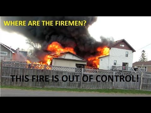 FULLY INVOLVED GARAGE FIRE SPREADS QUICKLY TO HOUSES IN KINGSFORD, MICHIGAN | Jason Asselin