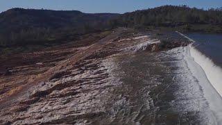 Nearly 200,000 evacuate amid California dam emergency