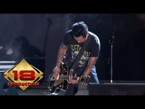 Superman Is Dead - Kemesraan,Jika Kami Bersama  (Live Konser Magelang 15 Oktober 2014)
