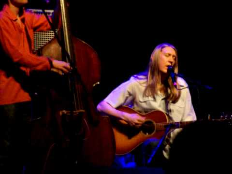 "The Wood Brothers, ""Fall Too Fast"" (w/ lyrics) (05-15-2009 (04) Variety Playhouse--Atlanta)"