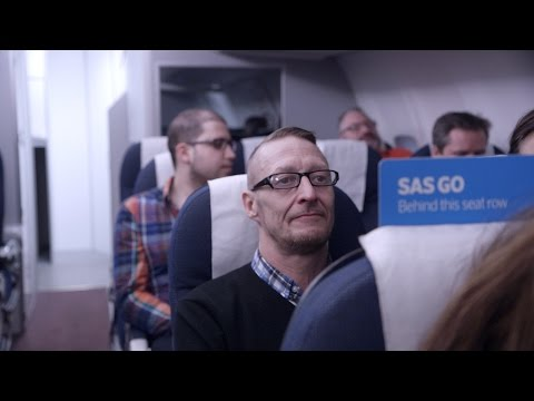 Flight attendant training – See cabin crew being taught in handling on board emergencies | SAS