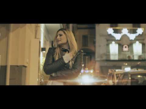 Emiliana Cantone - Comme me manche - (Video Ufficiale)