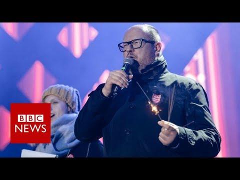 Polish mayor stabbed at charity event - BBC News