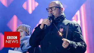 Polish mayor stabbed at charity event - BBC News