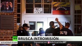 Activistas contra la entrada policial en la Embajada venezolana en EE.UU.