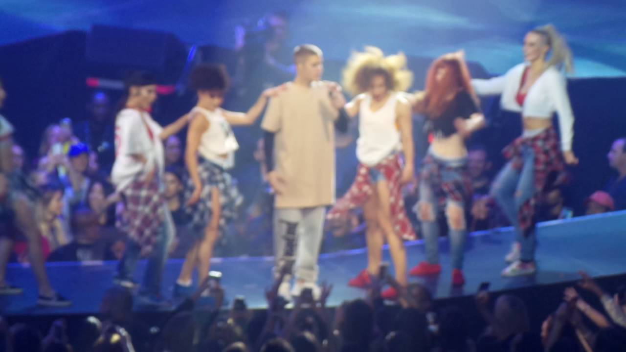 Justin Bieber- Baby (Purpose Tour Brooklyn, NY) - YouTube