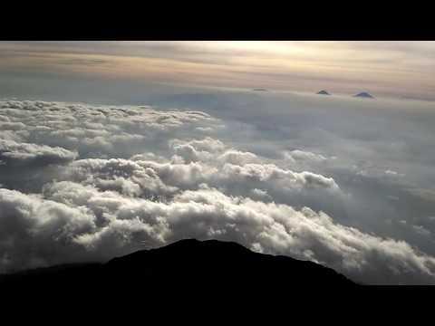 Suasana puncak gunung slamet 3428 mdpl