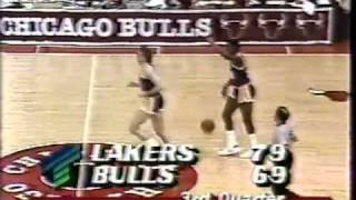 Rookie Jordan schooled by Magic: 1984-85 Lakers @ Bulls