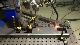 Сварка роботом Panasonic элемента фотоэлектронного сепаратора зерна(Сварка стойки фотоэлектронного сепаратора зерна роботизированным сварочным комплексом Panasonic (Сварочный..., 2016-10-27T12:06:32.000Z)