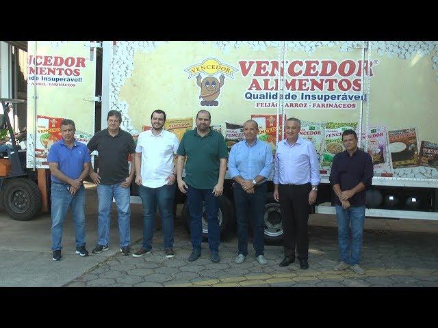 Empresa doa alimentos a entidades carentes