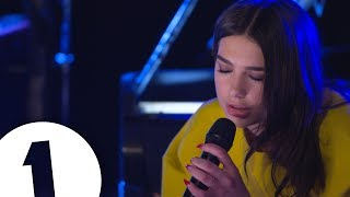 Baixar Dua Lipa covers Arctic Monkeys Do I Wanna Know? in the Live Lounge