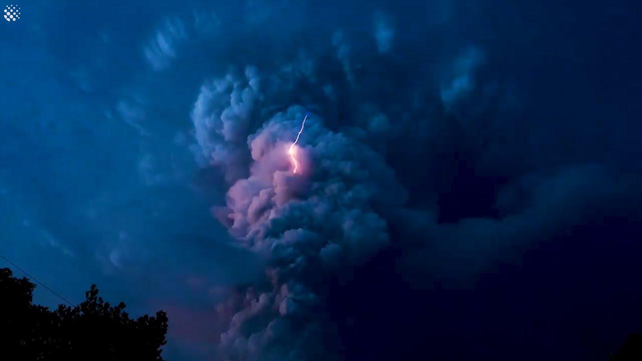 Застрашувачки снимки од ерупцијата на вулканот Таал на Филипините