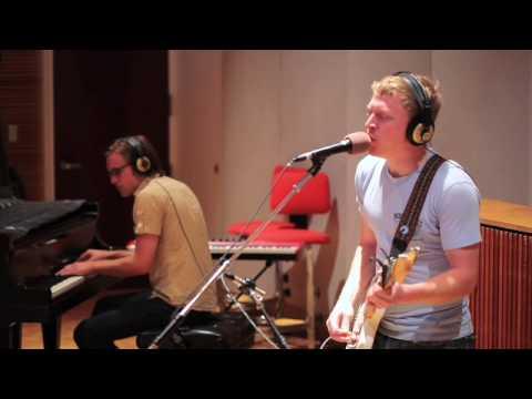 The Alarmists - Car Crashing (Live on The...