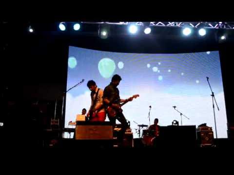 HIJAU DAUN - SAMPAI KAU BICARA Live In Hongkong