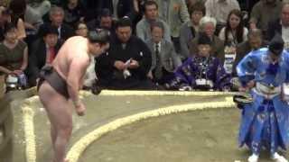20130512 大相撲夏場所初日 白鵬vs栃煌山.