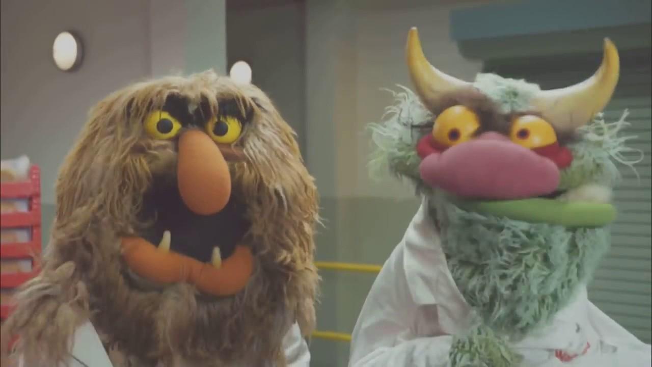 Warburtons - The Giant Crumpet Show - Warburtons - The Giant Crumpet Show