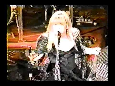 "Stevie Nicks- ""Outside The Rain""- HOB 12/31/99"